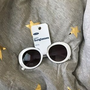 Old navy woman's sunglasses